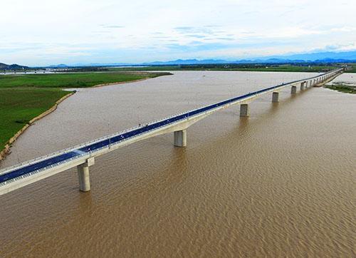 Cầu Yên Xuân. Ảnh Phan Minh